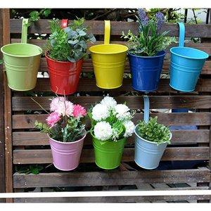 7 Farben Blumentöpfe Hängende Töpfe, Gartentopf Balkon Pflanzgefäße Metall Eimer Blumen Inhaber - Abnehmbarer Haken HWF5869