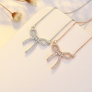 Catena sulla collana del collo per le donne in arco con il cielo pieno di stelle e moon fritillary clavicle catene