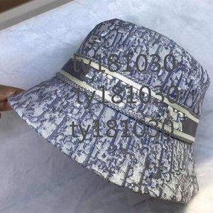 ABCJ Гольф Изогнутые козырежные шапки Bucket 2021 Bearie Capuls Mode Mode Bonnet de Haute Qualité Unisexe Chapeau Tricoté Sport Classique Crâne Hat Dames