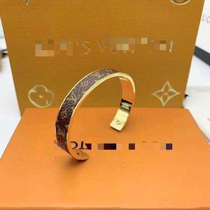 2021 luxury designer jewelry women bracelets letter pattern designer men bracelets fashion unisex charm cuff bracelet