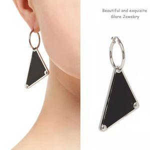 Fashion Ear Cuff Jewelry Wholesale Love Earrings for Women Luxury Namour Charm White Black Gift Four Seasons