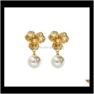 Lampadario Drop Consegna 2021 Designer di Prestigio Gold con gioielli perla Donne Moda Moda Fashion Flower Dangle Dangle Orecchini per Festa Wedding L2rvx