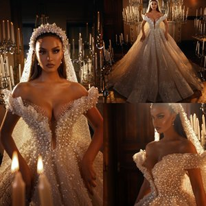Luxury Ball Gown Pearls Wedding Dresses Dubai Church Off The Shoulder Beads Crystal Appliqued Bride Gowns Sweep Train Princess Bridal Dress