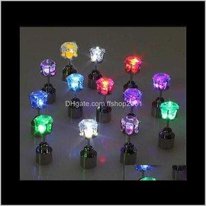 Bolzen-Drop-Lieferung 2021 LED-Licht-LED-Ohrstecker Shinning Ohrringe Bar Unisex Modeschmuck Geschenk für Frauen Damen Mädchen Geschenke PS1555 OD4A