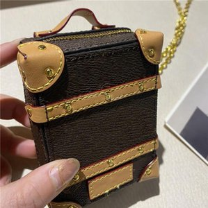2021 미니 트렁크 숄더 가방 디자이너 Luxurys 지갑 배낭 키 체인 지갑 플랩 귀여운 핸드백 패션 트렁크 가방 상자