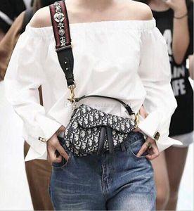 Femmes de luxe designers sacs 2021 avec boîte-cadeau Sac à main de l'armée Green Denim Brodé Denim Sac à selle de luxe Femmes Designer 2 façons Taille 21 18cm Tradingbear