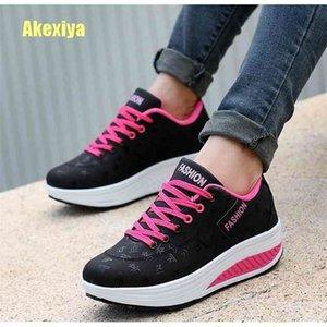 Akexiya Fashion Women Height Increasing Summer Breathable Waterproof Wedges Sneakers Platform Shoes Woman Pu Leather Casual Shoe 210322