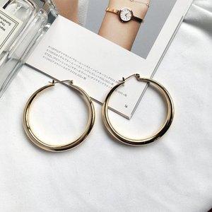 Trend European and American Street Shooting Design minimalista Big cerchio cerchio orecchini di cerchio in moda Hyperbole orecchino per le donne Huggie