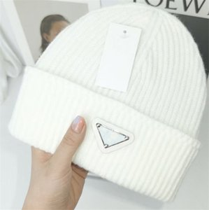 Luxury Knitted Hat Designer Beanie Cap Mens Fitted Hats Unisex Cashmere Letters Casual Skull Caps Outdoor Fashion High Quality 15 Colors