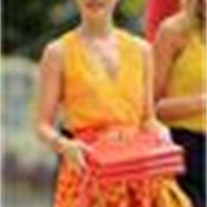Celebrity Fashion Gossip Girl Queen B Lady Gambler Dress In Yellowbell