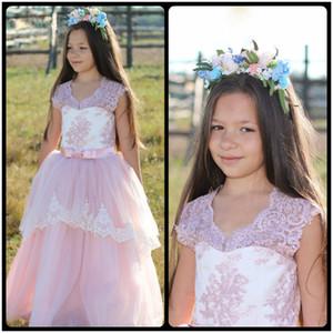 2016 Lovely Flower Girl Dresses Childern para Bodas Vestido de comunión rosada del cordón de los cabritos Prom Gown Floor Length