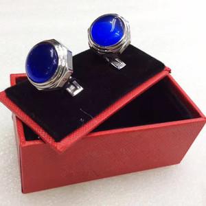 CAt-r Manschettenknöpfe gravieren Edelstahl Sleeve Nail Männer Stulpeverbindung Französisch Stulpe Farbe Luxus Cufflink 1 Paar mit blauem Kristall