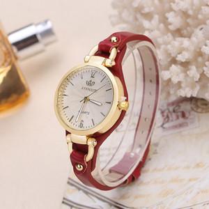 Moda Marka Casual Kuvars Saatler Kadınlar Perçin Ince Deri Kayış Bilek Saatler Bayanlar Altın Kol Saati Online Relogio