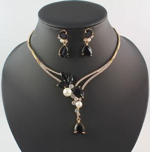 Ensembles de bijoux en perle blanc et or 18 carats Grenat noir plaqué Collier Boucles d'oreilles femmes mariage Party Set