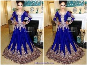 2017 Royal Blue Muslim A-line vestidos de noche mangas largas con cuello en V vestidos de noche con apliques de encaje con cuentas árabe vestidos de baile