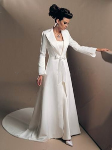 겨울 웨딩 코트 Bridal Cloak Jackets 스윕 기차 긴 소매 화이트 웨딩 공단 Shrugs Special Occasion 랩 무료 배송