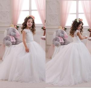 Spitze-Blumen-Mädchen-Kleider 2016 weißes Ballkleid Plus Size Erstkommunion für Mädchen Mädchen-Festzug-Kleider