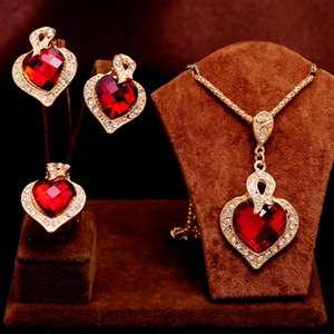 El más nuevo Classic 18k Gold Filled clear Austrian Crystal Rhinestone Heart Design Necklace Earring Ring mujeres Jewelry Set gift