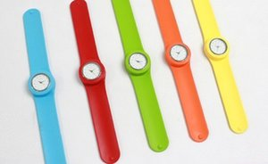 100pcs a bag When volume Shu silicone ring pops watch children and adolescents fun watches, fashion quartz watch multicolor