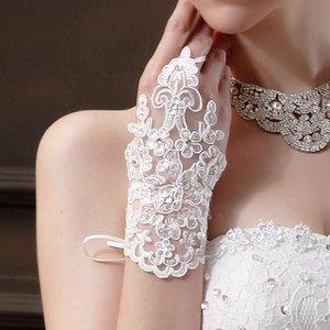 2021 Nova Chegada Barato em stock Laço Appliques Grânulos Comprimento de Pulso Sem Finger com fita Bridal Luvas de casamento Acessórios