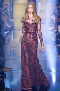 2016 Elie Saab Abendkleider Burgendy Sheer mit Rundhalsausschnitt mit langen Ärmeln wulstige Pailletten Applikationen Spalte Lange Abendkleider Abendkleider BO9834