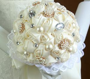 Perlas románticas Ramos de novia Crystal Rhinestone Artificial Rose Flores de la boda Dama de honor Ramos de celebración nupcial Broche Bouquet Barato
