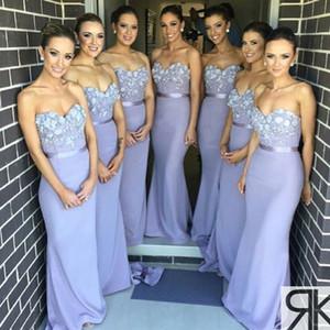 2019 Lavendel Liebsten Lange Brautjungfernkleider Geraffte / Rüschen Meerjungfrau Bodenlangen Lange Trauzeugin Kleider Formelle Kleidung