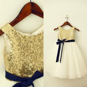 새 도착 글 리츠 드레스 라인 크루 민소매 골드 시니 스팽글 Tulle 플라워 걸 드레스 웨딩 파티 용 정장 가운