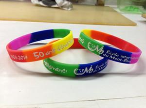 Пользовательский 1 цветной текст для печати логотипа Браслет Custom 4 Segment Rainbow Silicone Bracelet