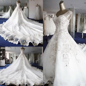 2018 New Designer Top Quality A-Line wedding dresses Ball Gown gorgeous and Cap Sleeves With V Neckline Crystals wedding gowns