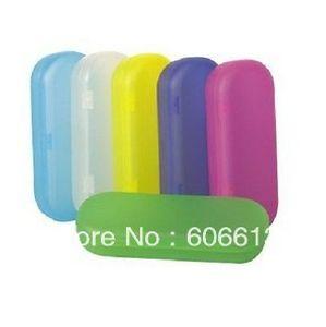 Étui à lunettes en plastique dur coloré en gros et brillant, boîte à lunettes PP colorée, 20pcs / lot