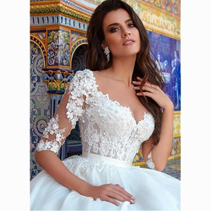 Attractive Tulle Bateau Neckline Ball Gown Wedding Dresses With Beaded 3D Flowers Lace Appliques Bridal Wedding Gowns Half Sleeves