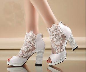 Nueva moda Peep Toe Botas de boda de verano Sexy de encaje blanco de baile de noche zapatos de fiesta Nupcial tacones altos zapatos de vestir formales de dama