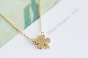 Collar simple para las mujeres 2016 Nueva cadena de enlace plateado plata Diseño de la planta del trébol de cuatro hojas collar colgante Lucky Fashion Jewelry