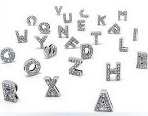 Yüksek Kalite 260 Adet / grup 8 MM DIY Tam Rhinestones ile İngilizce Bling Slayt Mektuplar İngilizce Alfabe Deri Bileklik Anahtar zincirleri Için Fit