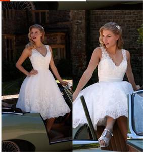 Abiti da sposa Scollo a V Principessa A Line Abiti da sposa corti Pizzi Appliques moderni Custom Made US 2 4 6 8 10 12 14 16 18 ++ W1496 Knee Length