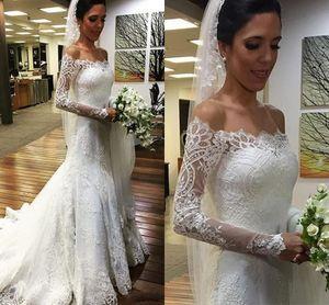 Vestios de novia 2017 vestidos de noiva de renda longas mangas compridas fora dos ombros vestidos de casamento botão traseiro vestidos nupciais com trem de varredura