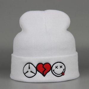 Le vendite calde scoppiano cappello caldo inverno all'aperto caldo più cappuccio sport invernale cappello lavorato a maglia sci copricapo cuore lettere emjio cappello caldo inverno