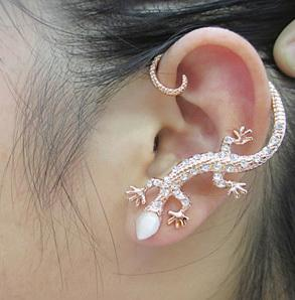 novo Crystal Fashion strass Gecko Ear Pendure Lagartos Clipe de ouvido Pendure fresco Amplamente animal Cuff Brincos para as mulheres