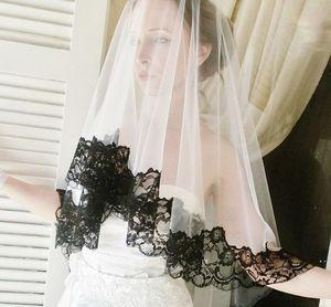 Venta caliente Una capa de tul de la boda velos de novia con borde de encaje negro Sheer accesorios nupciales blancos Blush Velos