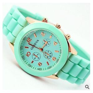 2015 neueste Mode Genf Uhr Candy Jelly Rubber Silikon Uhren Quarz Armbanduhren Schatten Stil Rose-Gold Bunte für Frau Mann