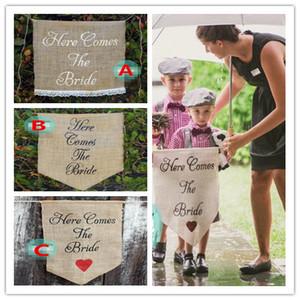 هنا يأتي العروس علامة زفاف زهرة فتاة علامة الممر 36 * 45 سم