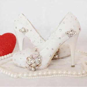 Lackleder Weiß Brautkleid Schuhe Pfau Kristall Hochzeitsschuhe Handmade Mutter der Braut Schuhe Religiöse Zeremonie Pump