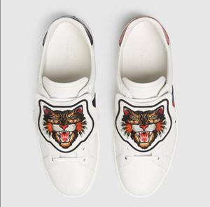 2017 Nouveau Flattie Slip On G Chaussures De Mode Serpent Serpent Broderie En Cuir Blanc Sneakers Pour Hommes Femmes De Luxe Mocassins Flattie SZ 36-46