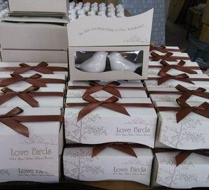 Souvenirs de mariage utiles Les invités aiment les oiseaux salière et poivrière Cadeaux d'anniversaire de mariage indien Vente en gros 2pcs pour 1 set