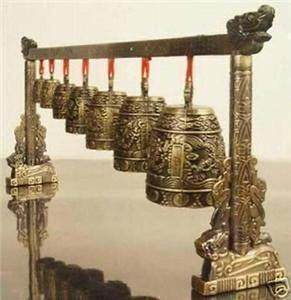 Atacado Barato Meditação Gongo com 7 Sino Ornamentado com Dragon Design Chinês Instrumento Musical Estátua decoração