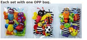 wholesale-20pcs / الكثير الطفل راتل لعب حديقة علة المعصم راتل + الجوارب القدم النحل الخنفساء ووتش و القدم مكتشف