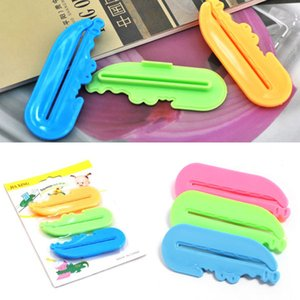 Neue 1 satz / 3 stücke Nette Reizende Zahnpastatube Squeezer Einfache Presse Dispenser Crocodile Kostenloser Versand