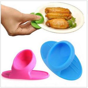 Creativo simple utensilios de cocina aislados de silicona guantes clip tazón y placa de aislamiento térmico cot dedo protector de la cuna