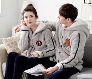L'hiver de nouveaux couples de pyjamas de couples de Cachemire de corail et les femmes et la flanelle épaisse de velours peut être en dehors du costume de vêtements à la maison